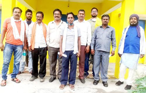 भूविस्थापित किसान कल्याण समिति ने क्षेत्र की समस्याओं को लेकर की बैठक